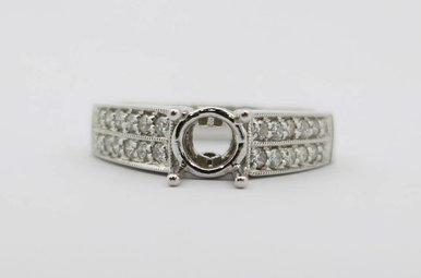 18kw .37ctw Round Brilliant Diamond Semi Mount Engagement Ring
