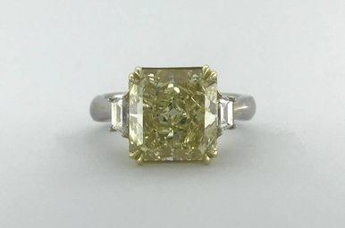 18k Yellow/White Gold 5.36ct Fancy Yellow/SI2 (GIA) Engagment Ring