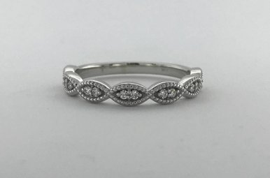 14k White Gold .12ctw Diamond Marquise Milgrain Stackable Wedding Band (Size 6)