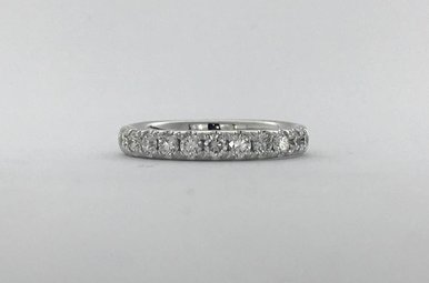 14k White Gold .52ctw Diamond French-set Stackable Wedding Band (Size 6.5)