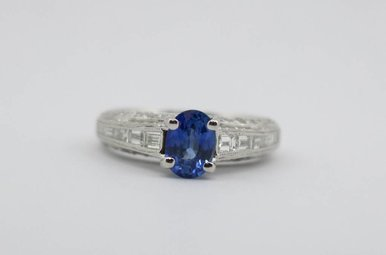 Plat 1.01ct-Sa 1.04ctw-Dia Oval Blue Sapphire Ladies Ring with Baguette & Round Diamonds