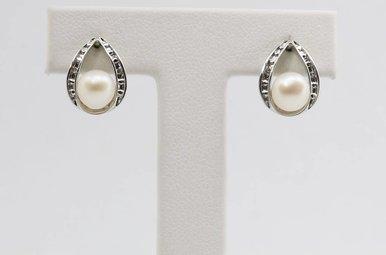 14kw Pearl & Diamond Accent Earrings
