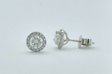 18k White 1.12ctw Diamond Halo Stud Earrings