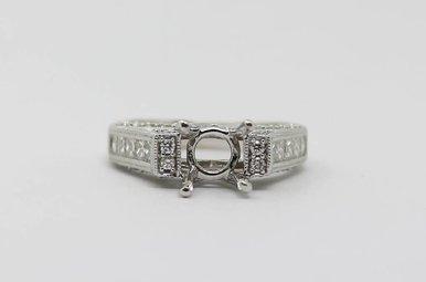 18kw .93ctw Round & Princess Cut Diamond Semi Mount Engagement Ring