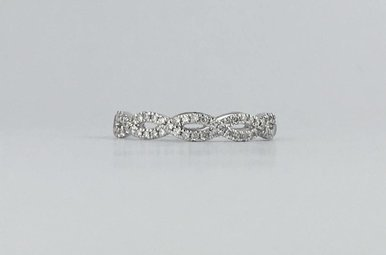 14k White Gold 1/4ctw Diamond Open Infinity Twist Stackable Wedding Band (Size 6)