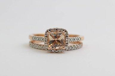 14kr .68ctw-Dia Morganite & Diamond Halo Wedding Set