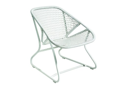 FERMOB SIXTIES LOW ARMCHAIR, POWDER COATED ALUMINUM FRAME AND SYNTHETIC WOVEN SEAT,  COTTON WHITE COLOR