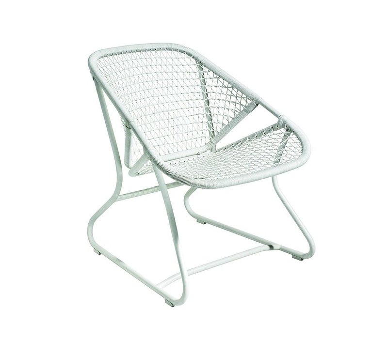 SIXTIES LOW ARMCHAIR- COTTON WHITE FRAME / WHITE SEAT