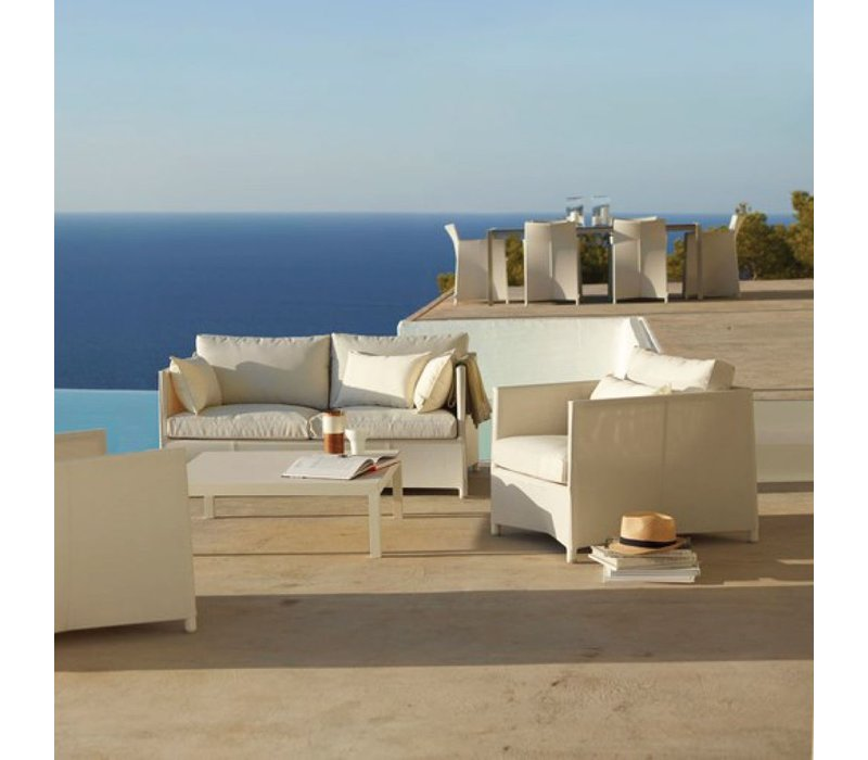 DIAMOND LOUNGE CHAIR IN WHITE TEX WITH CUSHIONS IN WHITE CANE-LINE TEX