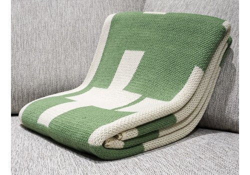POLY THROW CROSS JACQUARD FERN GREEN, MILK CROSSES WITH MILK BORDER