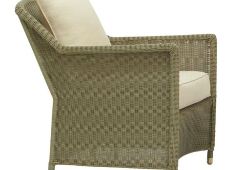 BROWN JORDAN SOUTHAMPTON LOUNGE CHAIR IN SAGE WITH SQUARE BACK PILLOW / GRADE A FABRIC