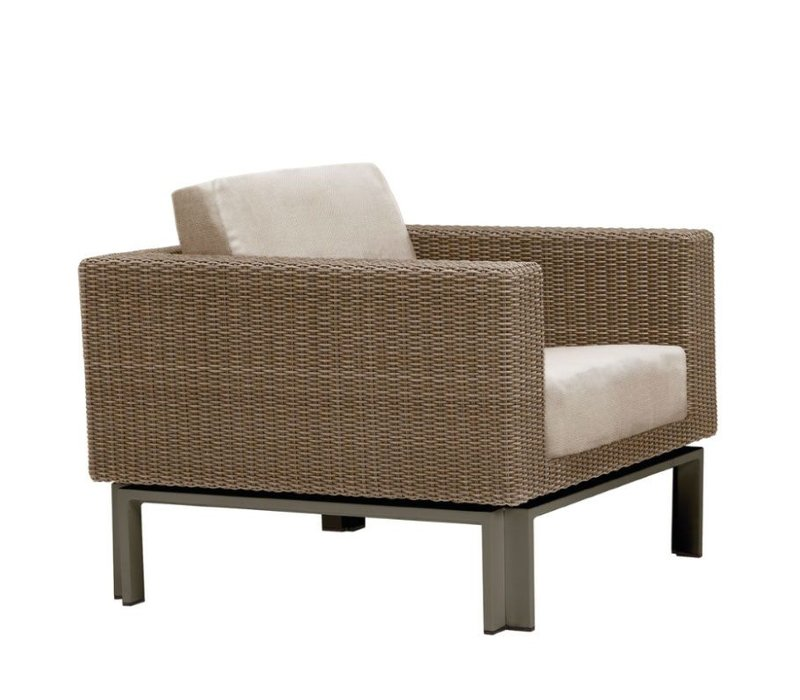 IL VIALE LOUNGE CHAIR WITH LOOSE CUSHIONS