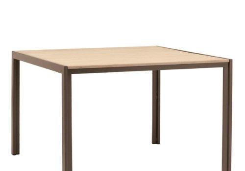 BROWN JORDAN ELEMENTS 45 X 45 DINING RESINWOOD TABLE NO UMBRELLA HOLE