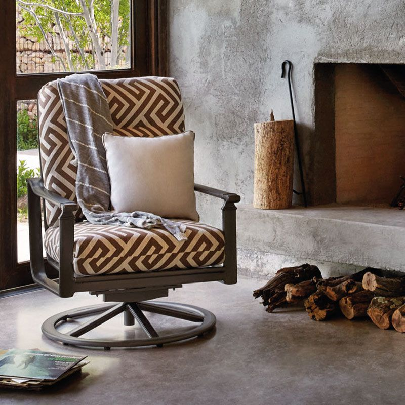 BROWN JORDAN FREMONT MOTION LOUNGE CHAIR WITH CUSHIONS