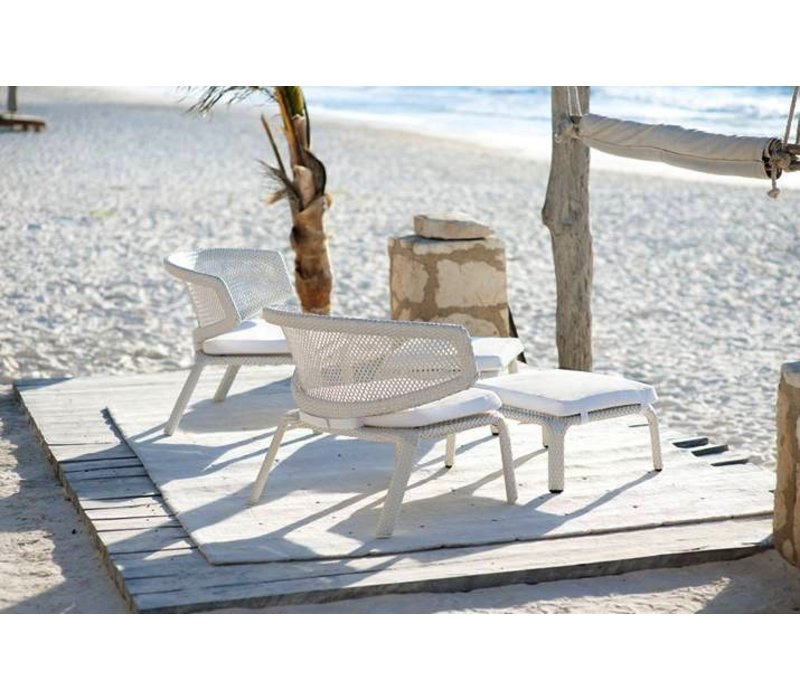 SEASHELL LOUNGE CHAIR IN CHALK