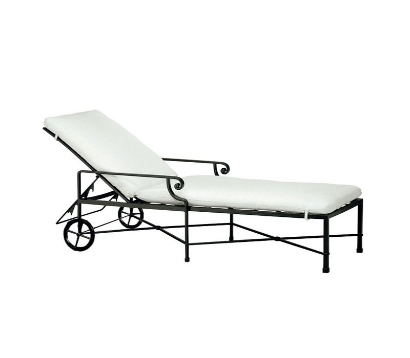 VENETIAN CHAISE WITH WHEELS