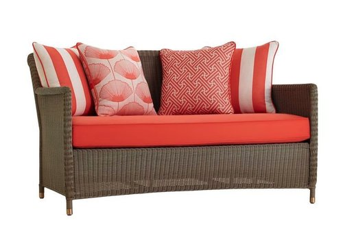BROWN JORDAN SOUTHAMPTON LOVESEAT IN SAGE WITH 4 SQUARE BACK PILLOWS AND 1 SEAT CUSHION IN GRADE A FABRIC