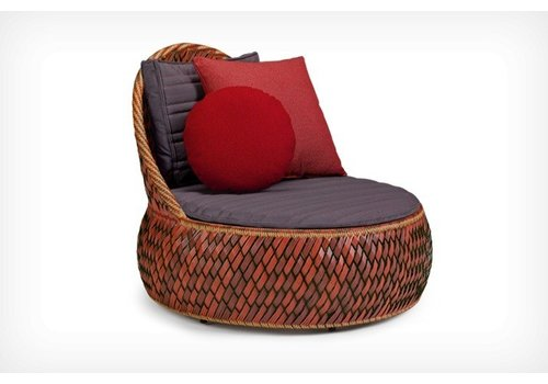 DEDON DALA LOUNGE CHAIR IN COLOR FIRE WITH SEAT AND BACK CUSHION