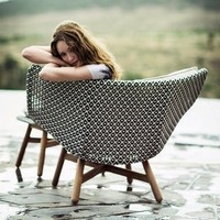 MBRACE LOUNGE CHAIR
