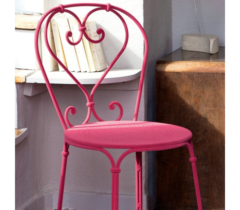 1900 STACKING SIDE CHAIR