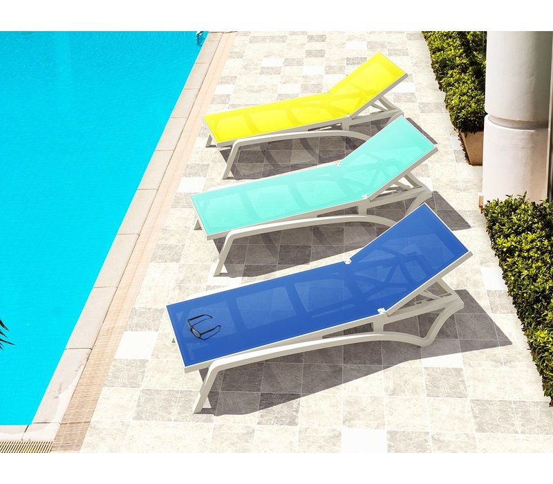 PACIFIC SLING CHAISE / WHITE FRAME / BLUE SLING