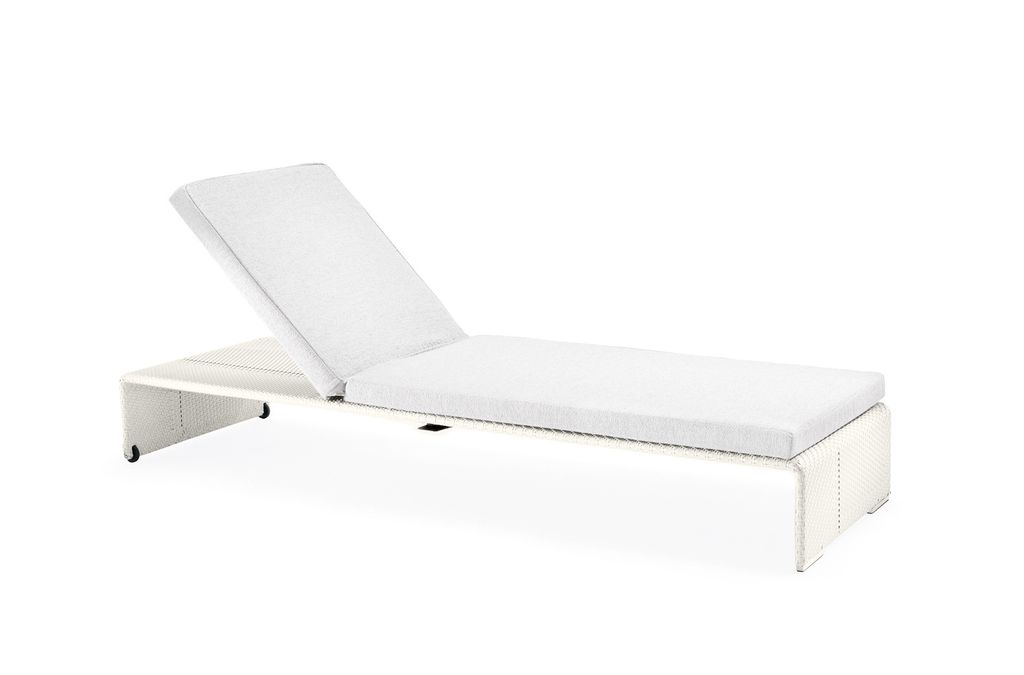 SLIM LINE BEACH CHAIR IN CARBON