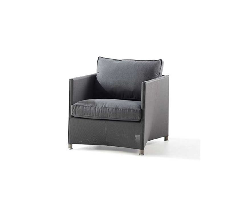 DIAMOND LOUNGE CHAIR WITH CUSHIONS IN GREY SUNBRELLA NATTE