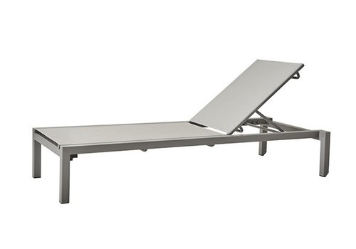 CANE-LINE RELAX SUNBED IN LIGHT GREY ALUMINUM WITH LIGHT GREY CANE-LINE TEX SLING
