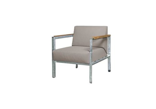 MAMAGREEN INDUSTRIAL LOUNGE CHAIR WITH CUSHIONS, TEAK ARMREST AND DISTRESSED POWDER COATED ALUMINUM FRAME