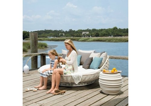 DEDON SWINGREST STANDING LOUNGER WITH ROTATING BASE IN CHALK WEAVE