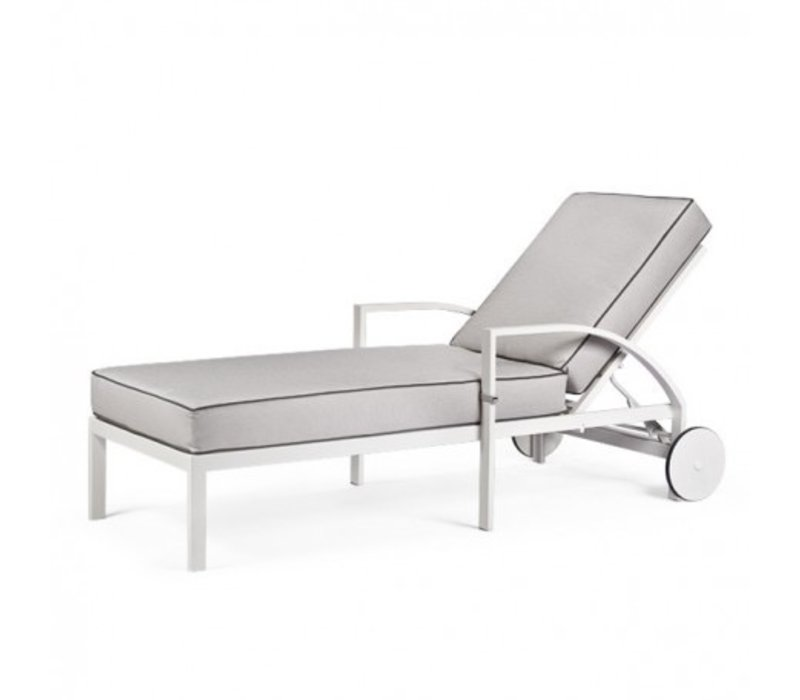 AVANT CHAISE LOUNGE WITH WHEELS, GRADE B FABRIC, STANDARD POWDER COATED ALUMINUM FRAME