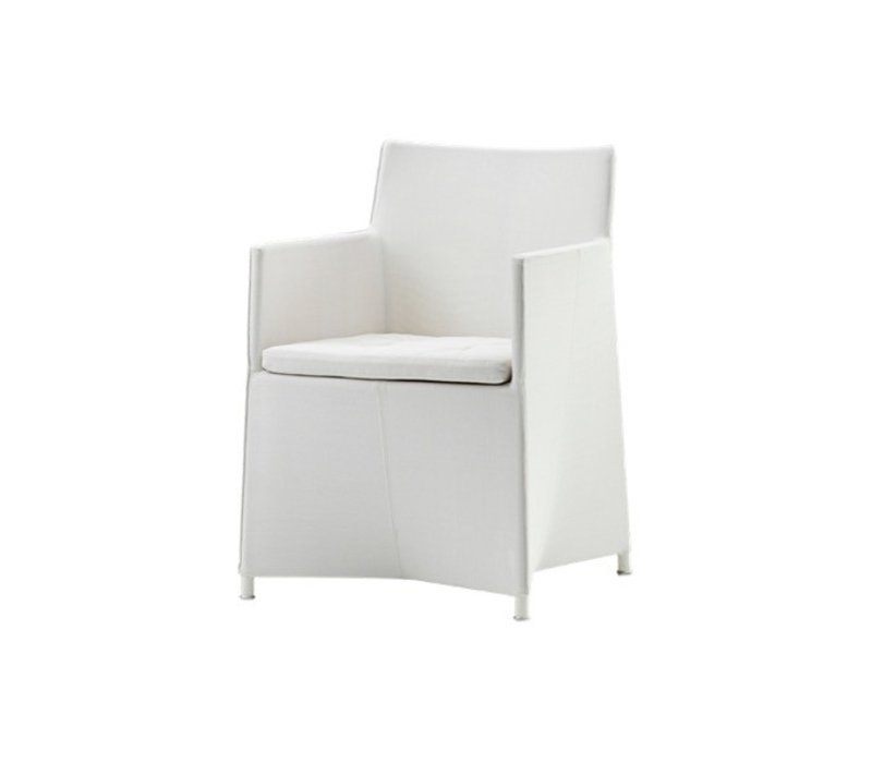 DIAMOND ARM CHAIR IN WHITE TEX WITH CUSHION IN WHITE CANE-LINE TEX