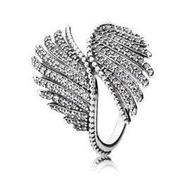 Pandora Majestic Feathers