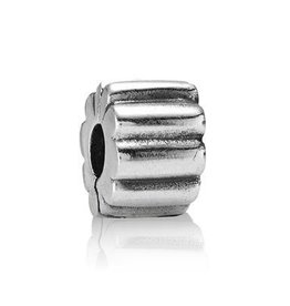 790163 - Ribbed Clip