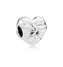 Pandora Brilliant Heart Bow