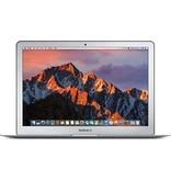 Apple 13-inch MacBook Air: 2.2GHz dual-core i7 Intel Core i5, 8GB, 256GB SSD