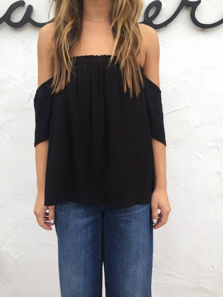 BLQ Bare Shoulder Top
