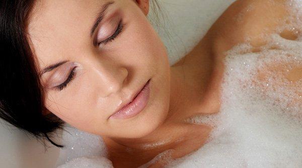 Natural skin care vs. Au naturel? Healthy skin tips.