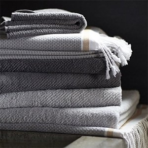 Bath Towels & Linens