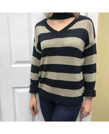 RD Style Choker V-Neck Sweater