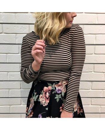 Striped L/S Twist Back Crop Top