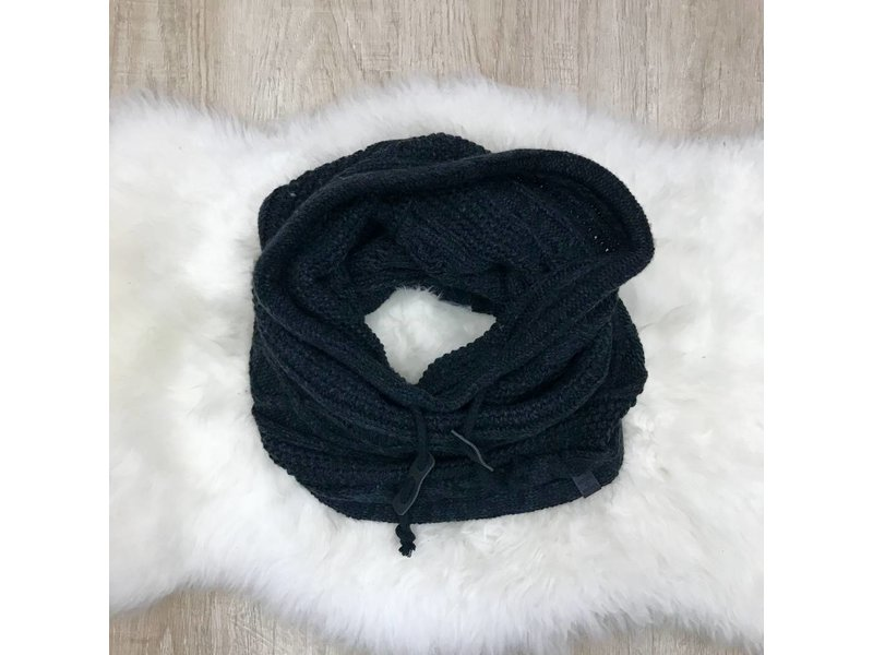 Bickley + Mitchell Snood