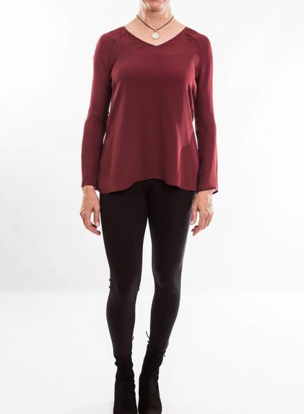 LEO & SAGE DROP SHOULDER V-NECK