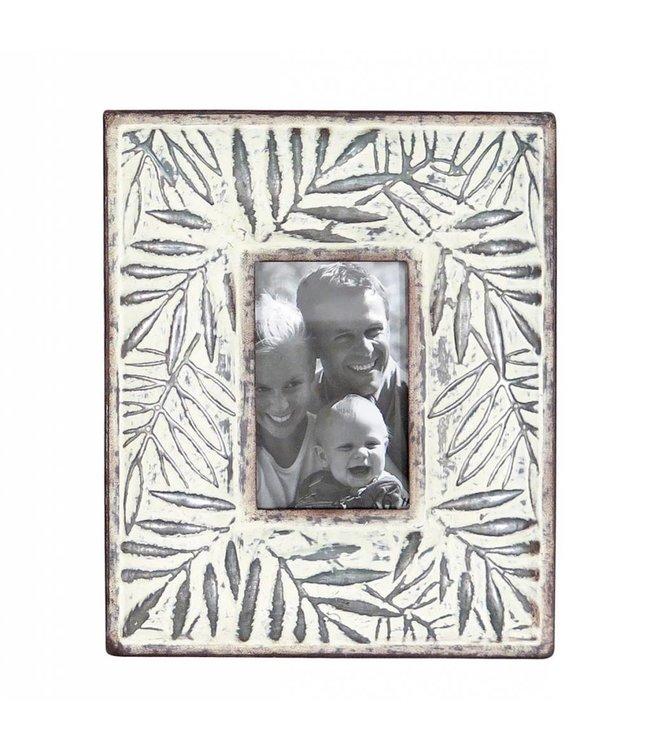 Foreside Home & Garden Etched Leaf Frame 4x6