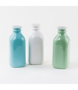 One Hundred Eighty Degrees Milk Bottle with Silicone Lid