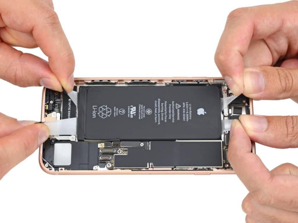 Замена батареи айфон 8
