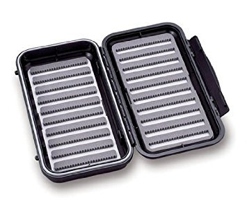C&F DESIGNS LARGE WATERPROOF 20 ROW FLY BOX - CF-351010