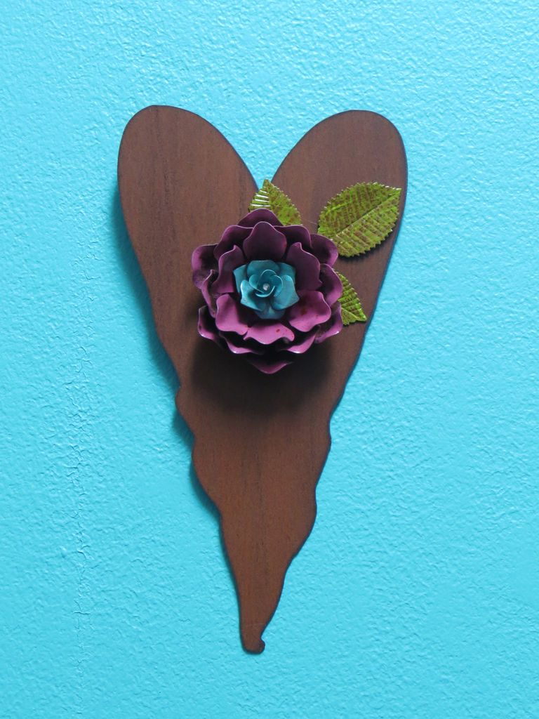 Decor Heart w/ Plum Flower