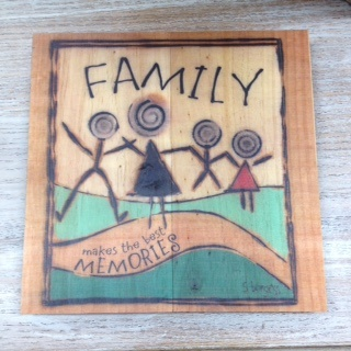 Decor Family Makes the Best Memories Sign