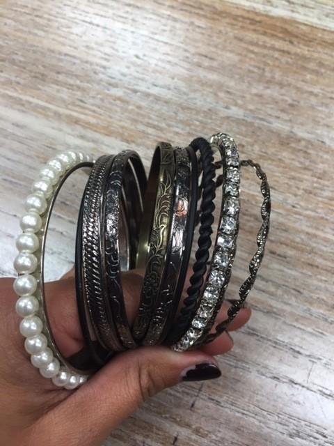 Jewelry WC Bangle Set